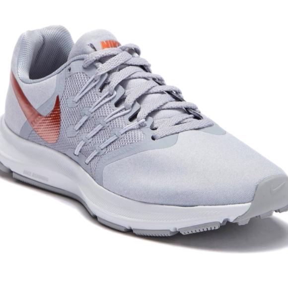 Nike run swift athletic sneakers women's size 7.5